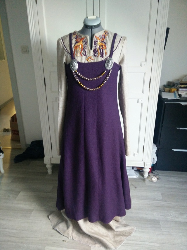 Robe et tablier viking ou.. Apron viking dress Img_2013