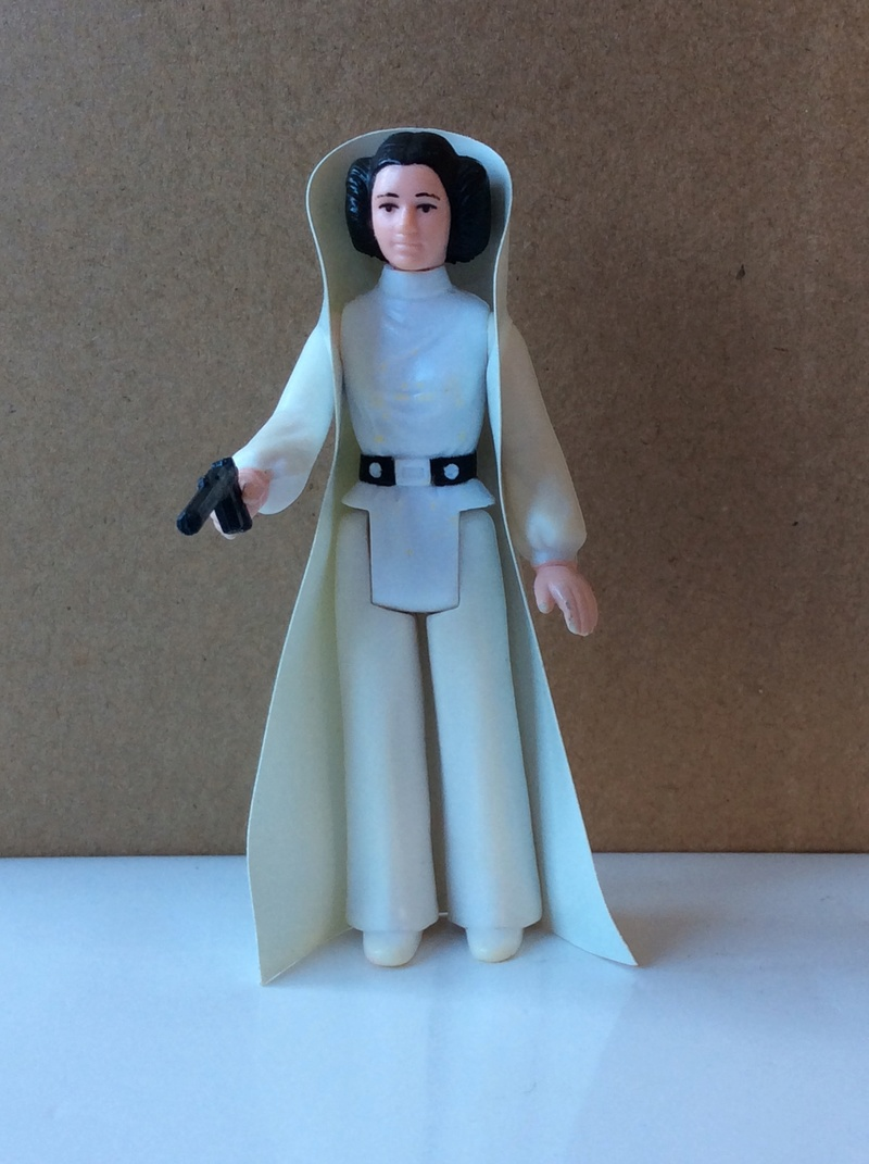 Princess Leia Organa Early Issue Cape Question - Page 2 754ef410