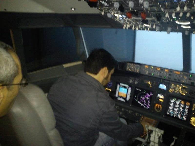 Mi primera experiencia en simulador de vuelo real....(737NG) 52231210