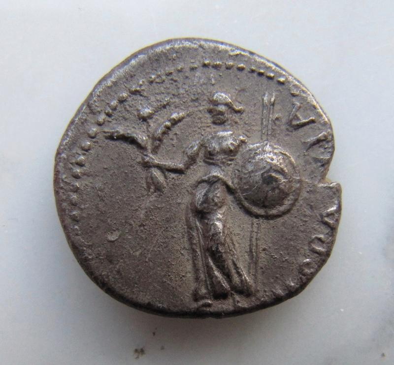 Denier de Galba frappé en Hispania - en apparence inédit.  Galba_10