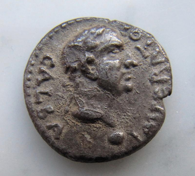 Denier de Galba frappé en Hispania - en apparence inédit.  Galba_11
