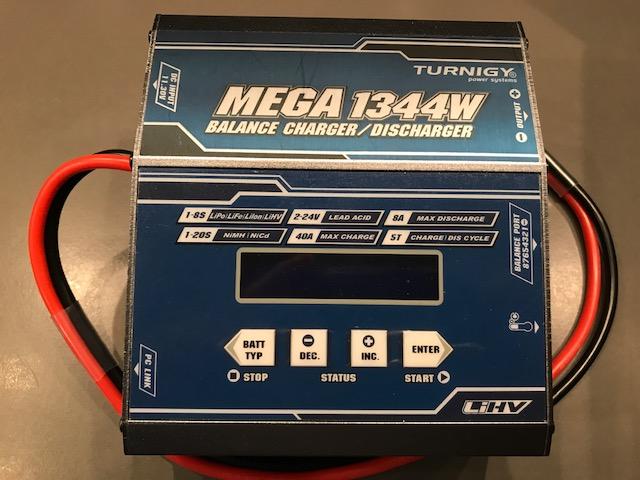 VENDO varios cargadores-balanceadores y fuentes de alimentación (TURNIGY) Img_0310