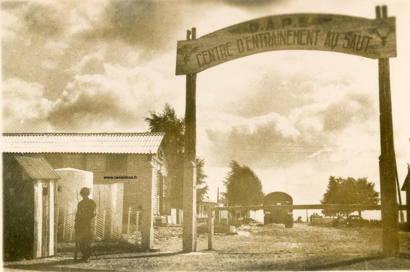 Entrée du camp d'Idron après guerre. Entrye10
