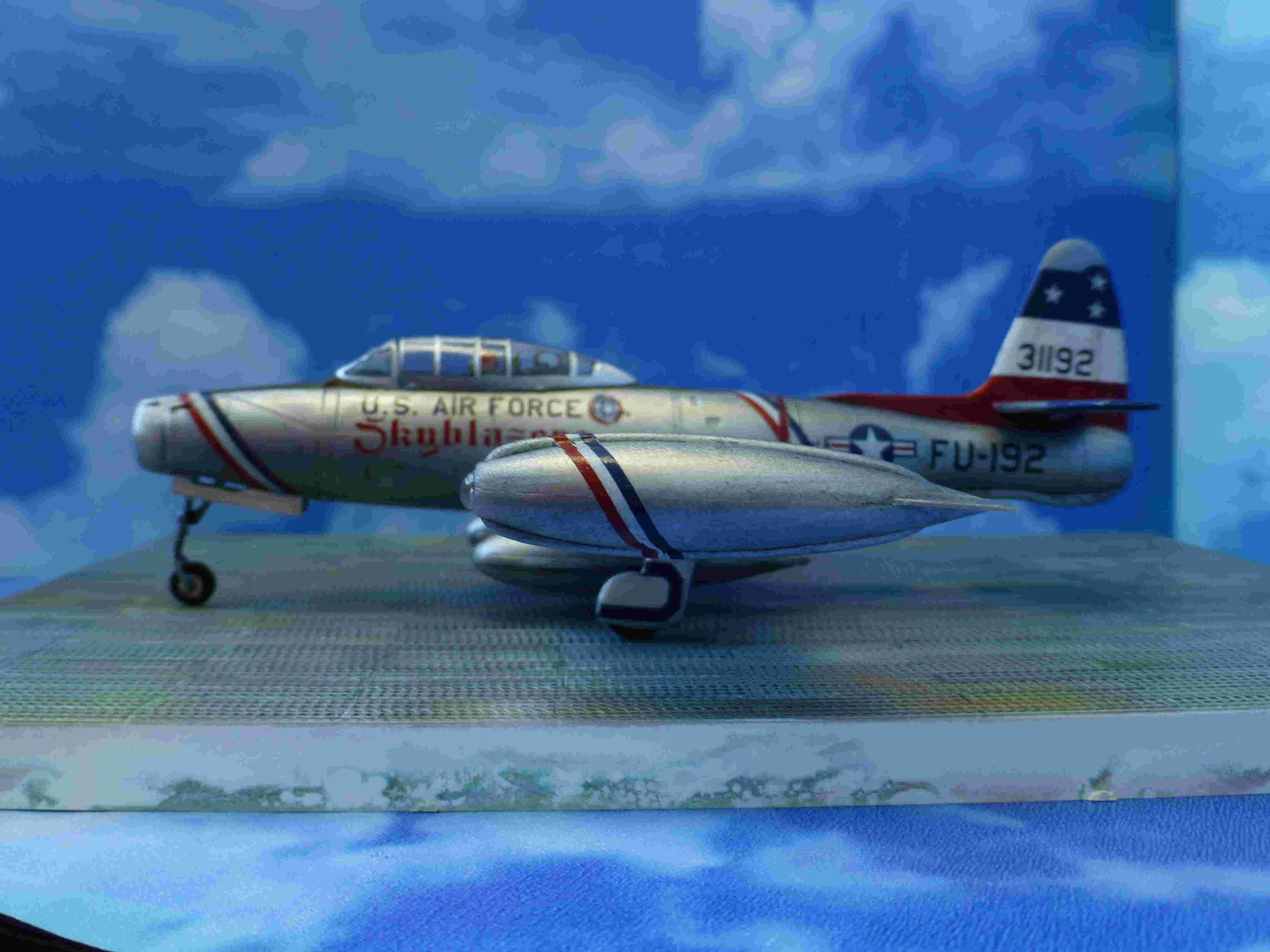 "Republic F-84G ""Skyblazers"" - Страница 2 P1110711"