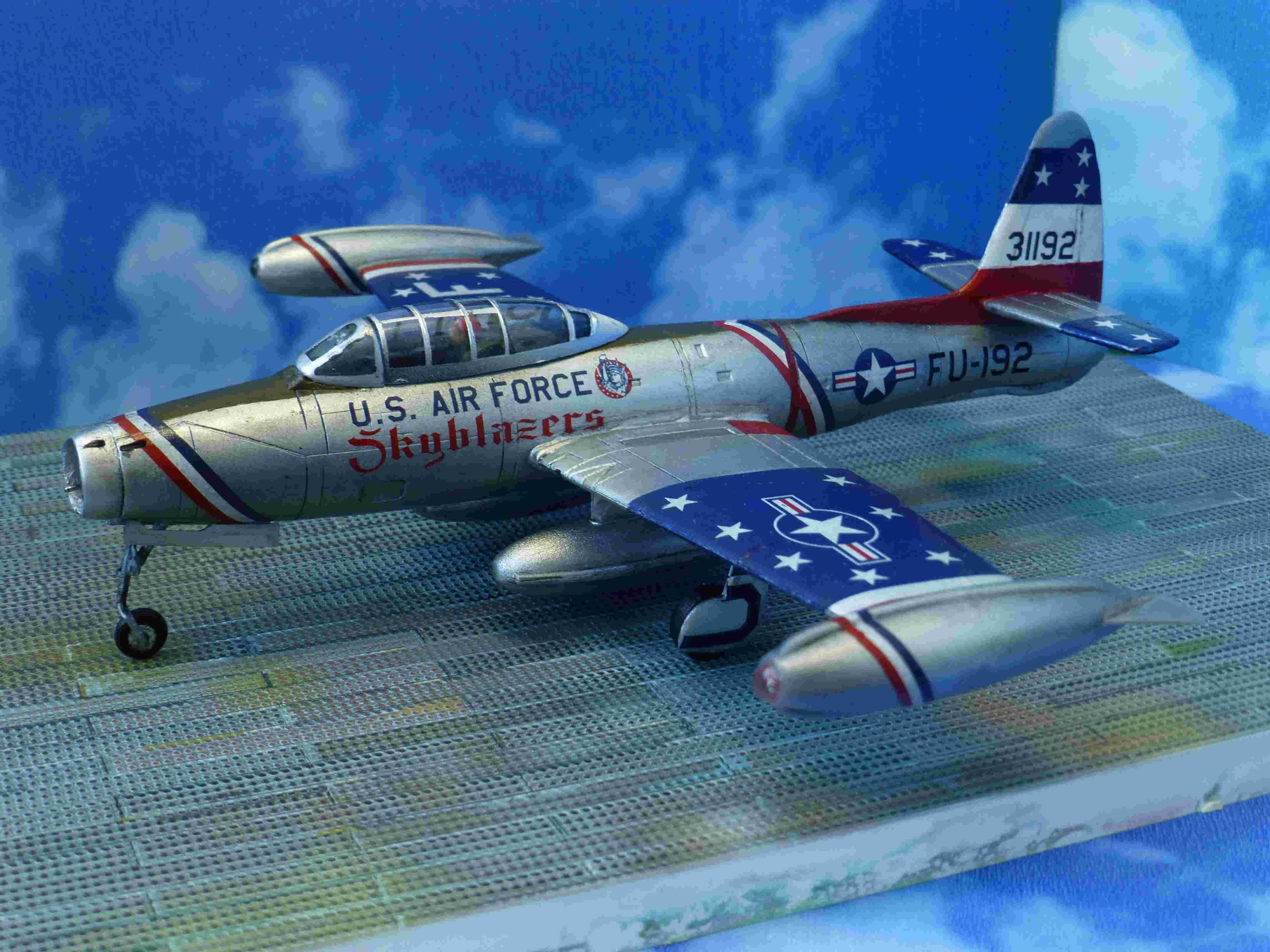 "Republic F-84G ""Skyblazers"" - Страница 2 P1110713"