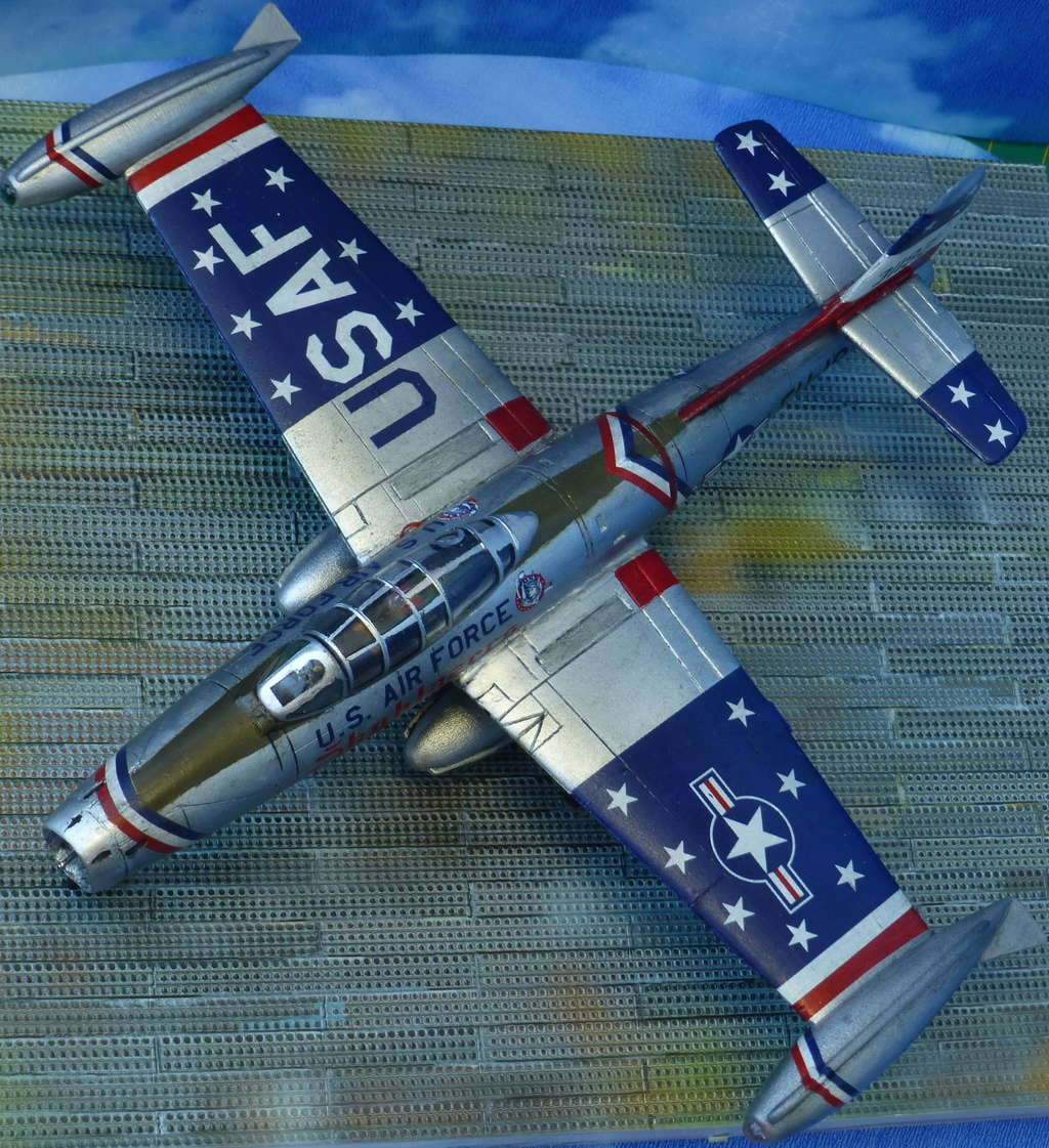 "Republic F-84G ""Skyblazers"" - Страница 2 P1110714"