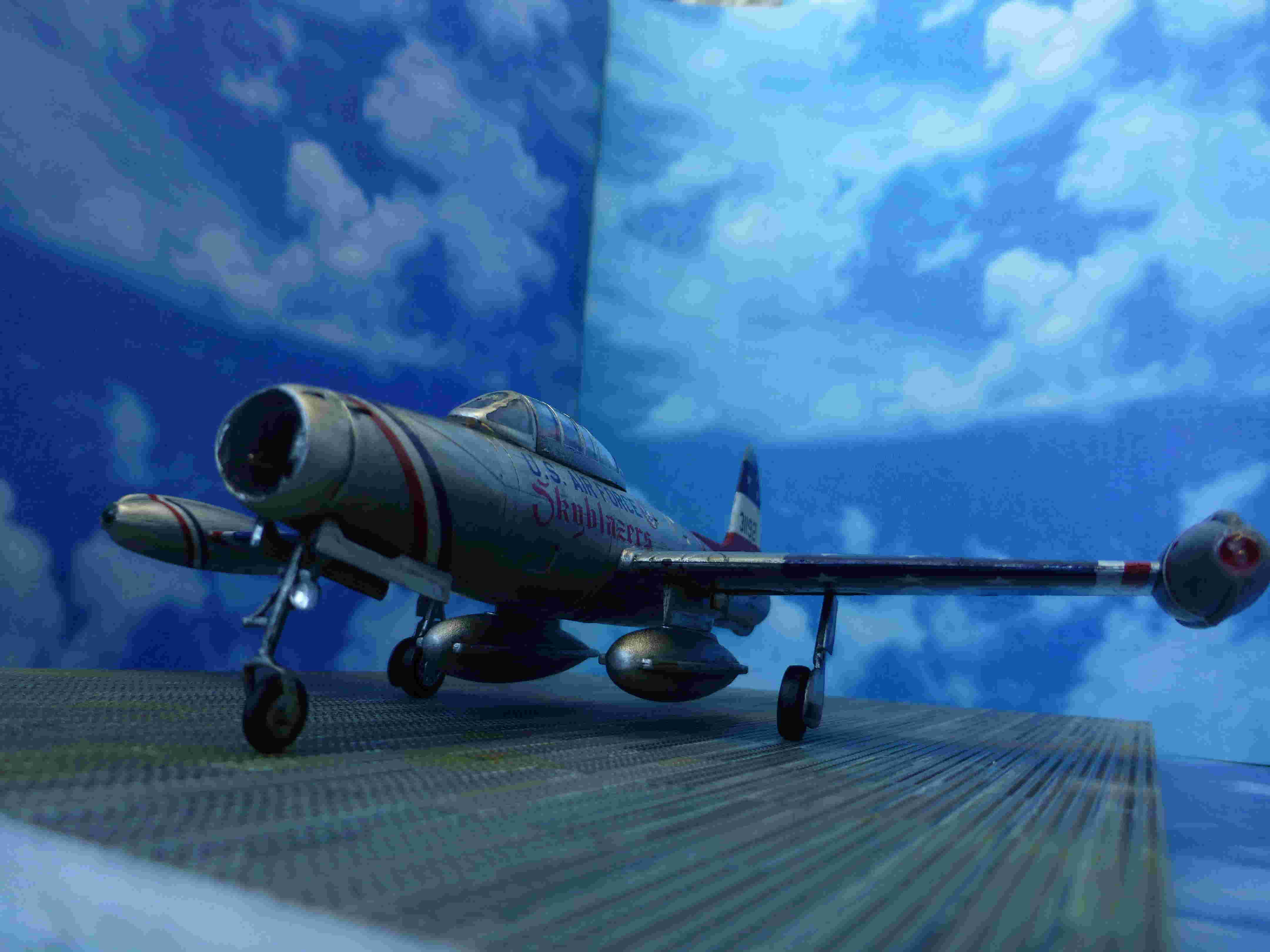"Republic F-84G ""Skyblazers"" - Страница 2 P1110810"