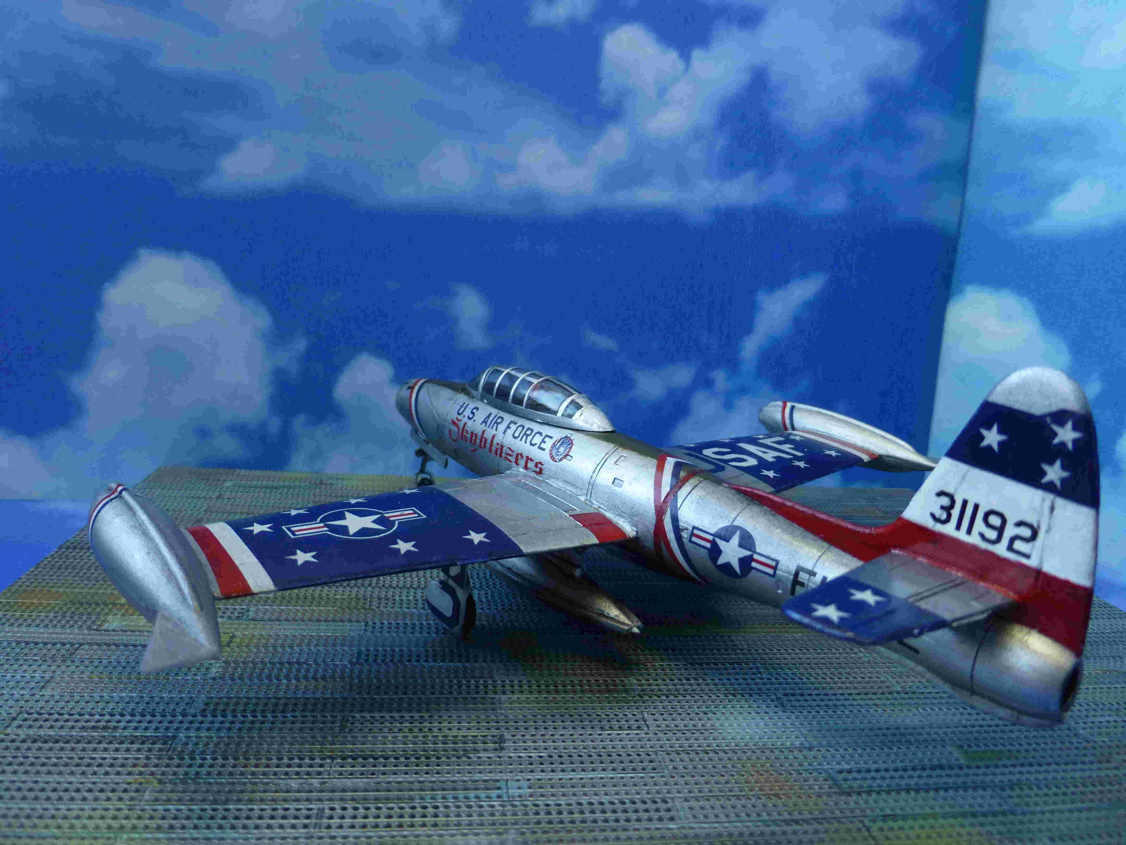 "Republic F-84G ""Skyblazers"" - Страница 2 P1110811"