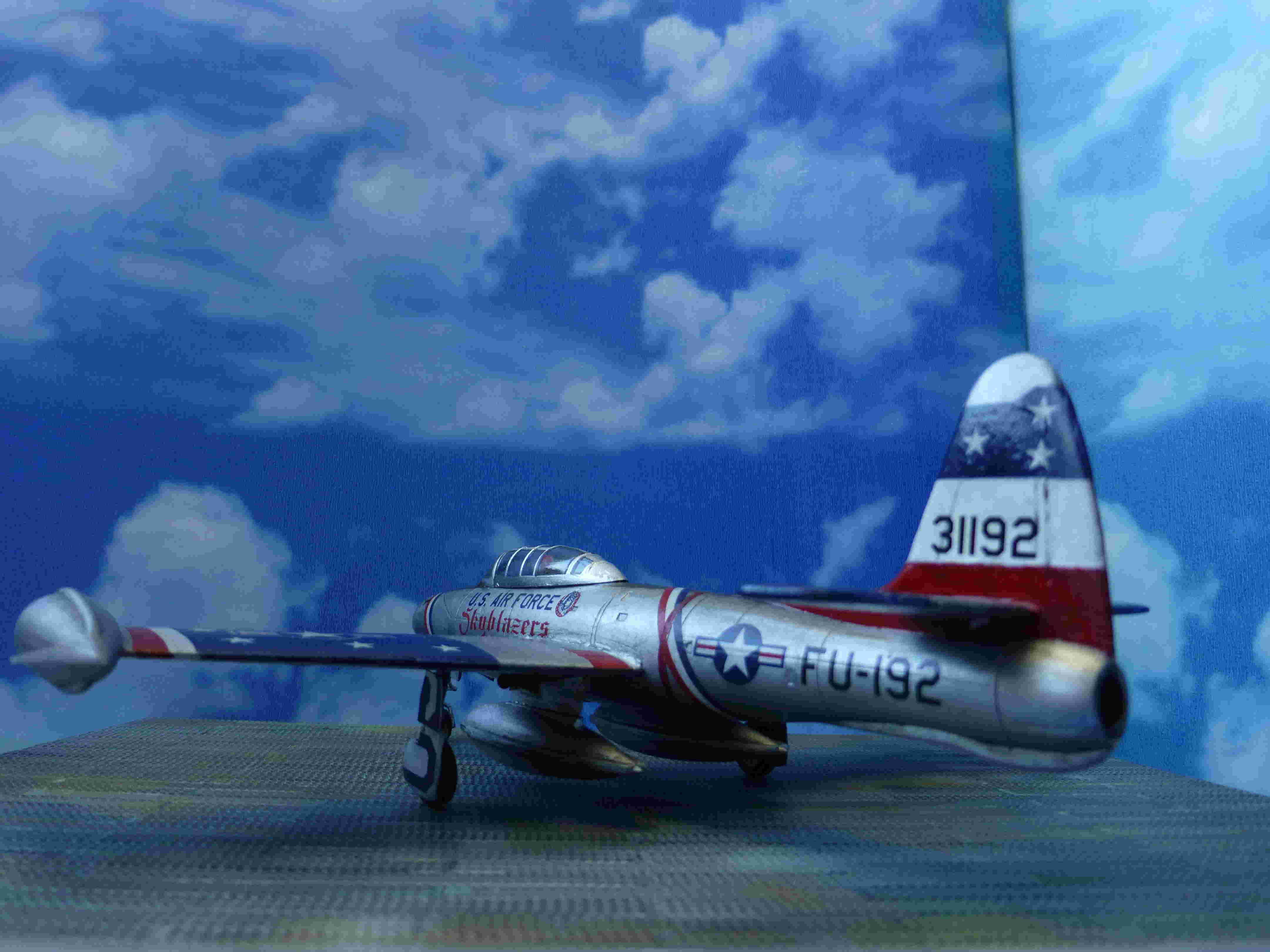 "Republic F-84G ""Skyblazers"" - Страница 2 P1110812"