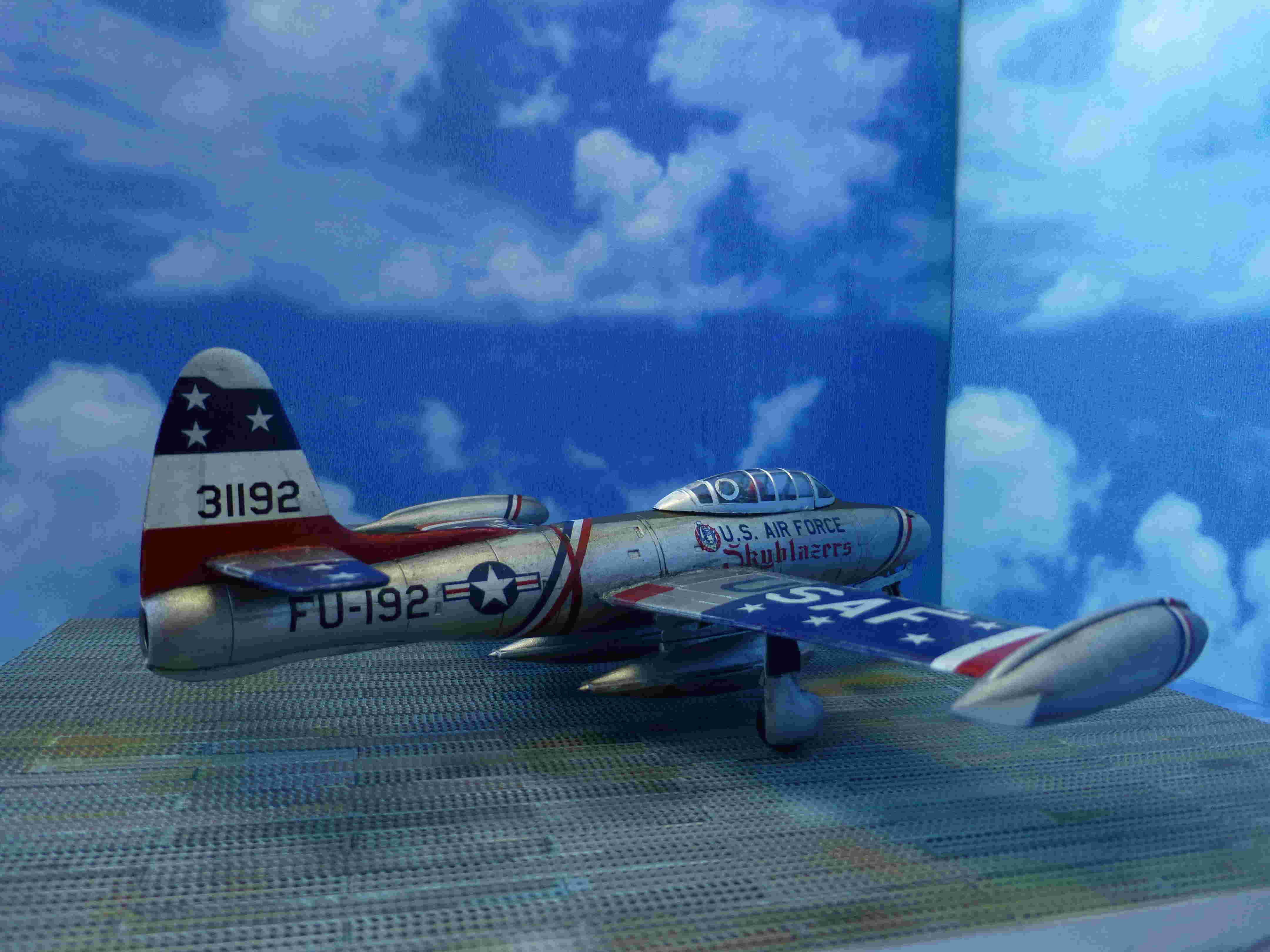 "Republic F-84G ""Skyblazers"" - Страница 2 P1110814"