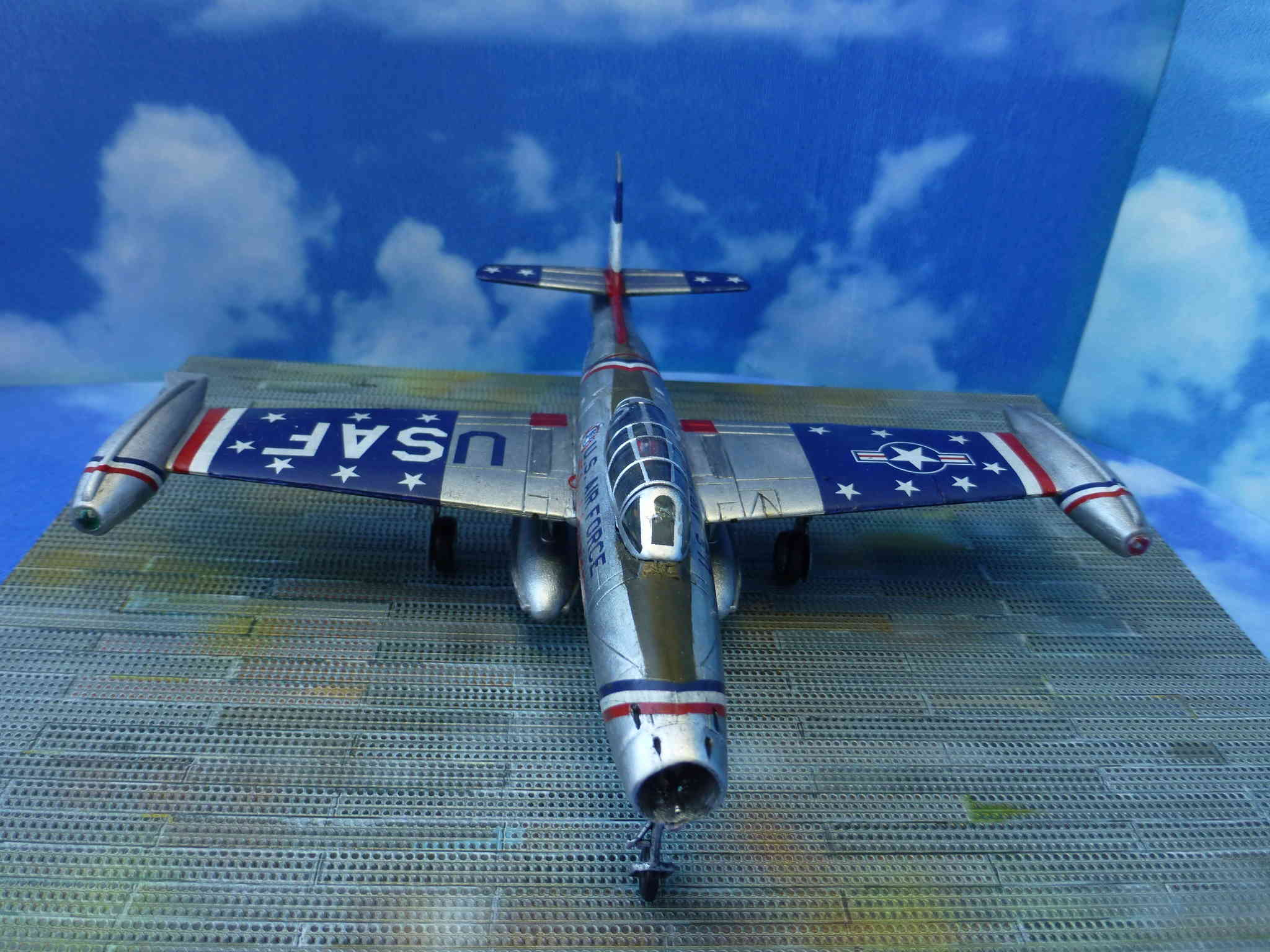 "Republic F-84G ""Skyblazers"" - Страница 2 P1110816"