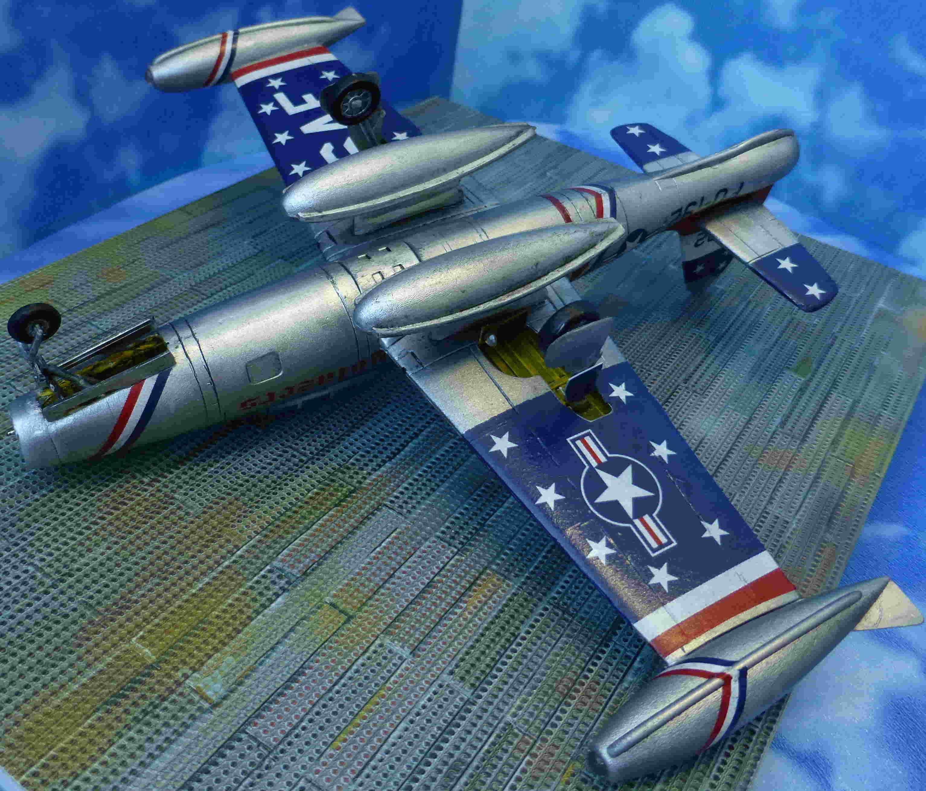 "Republic F-84G ""Skyblazers"" - Страница 2 P1110820"