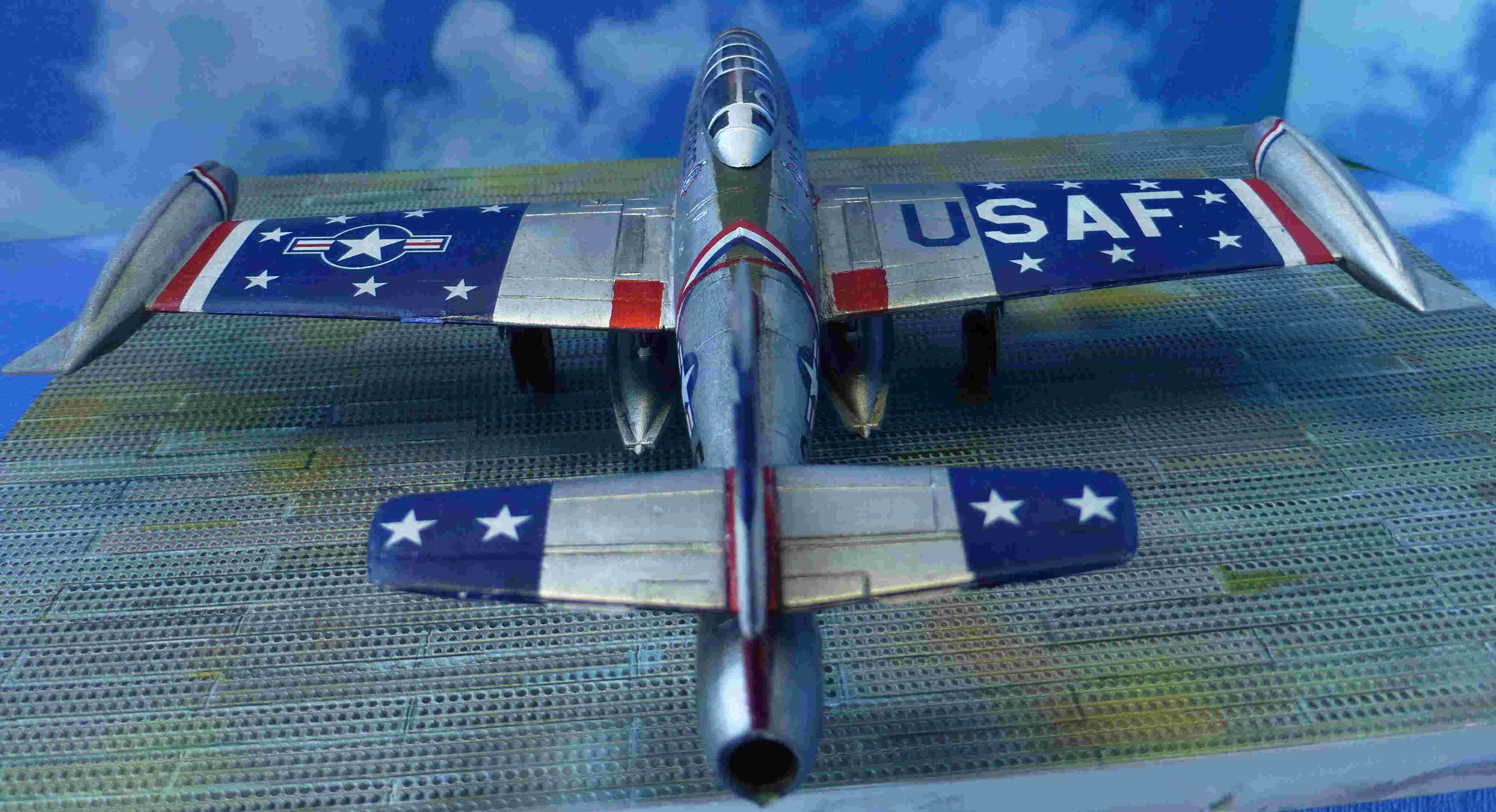 "Republic F-84G ""Skyblazers"" - Страница 2 P1110821"