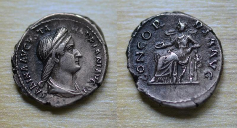 Denario de Sabina. CONCORDIA AVG- Concordia sedente a izq. Roma. 34_sab10