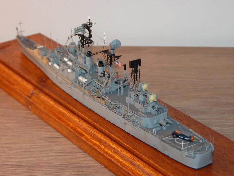 USS Springfield - CLG 7 1/700 Niko Model   P1080518