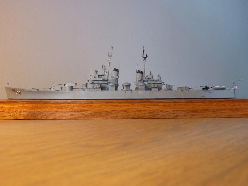 USS Columbus - CA 74 1/700 Trumpeter   P1080527