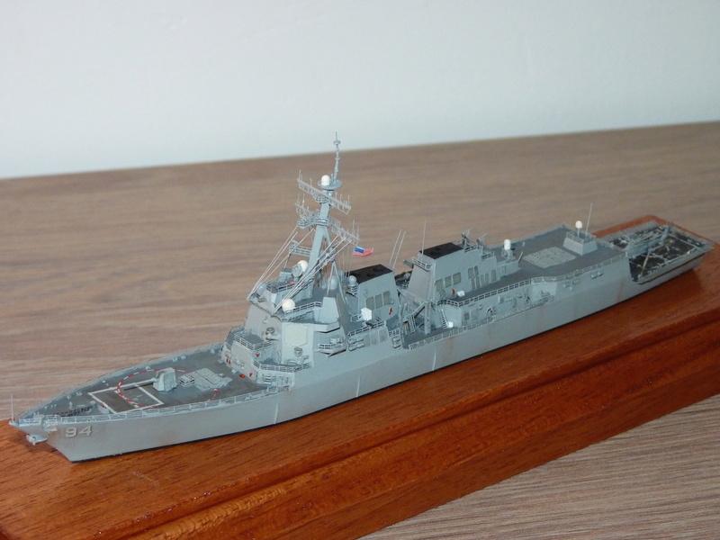 USS Nitze - DDG 94 1/700 Hobby Boss   P1080613