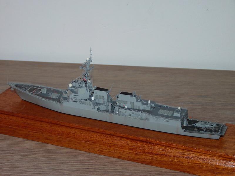 USS Nitze - DDG 94 1/700 Hobby Boss   P1080617