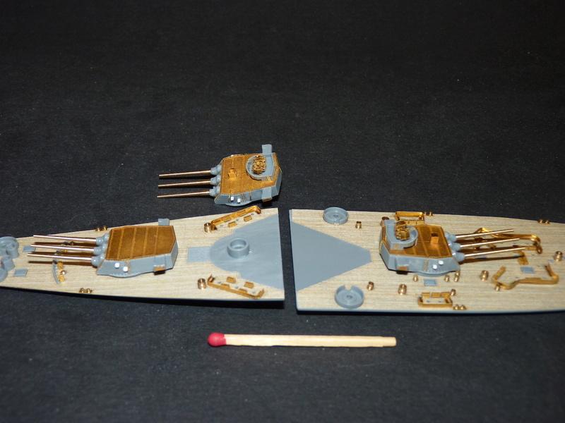 USS Missouri - BB 63 1/700 Tamiya   - Page 5 P1090139