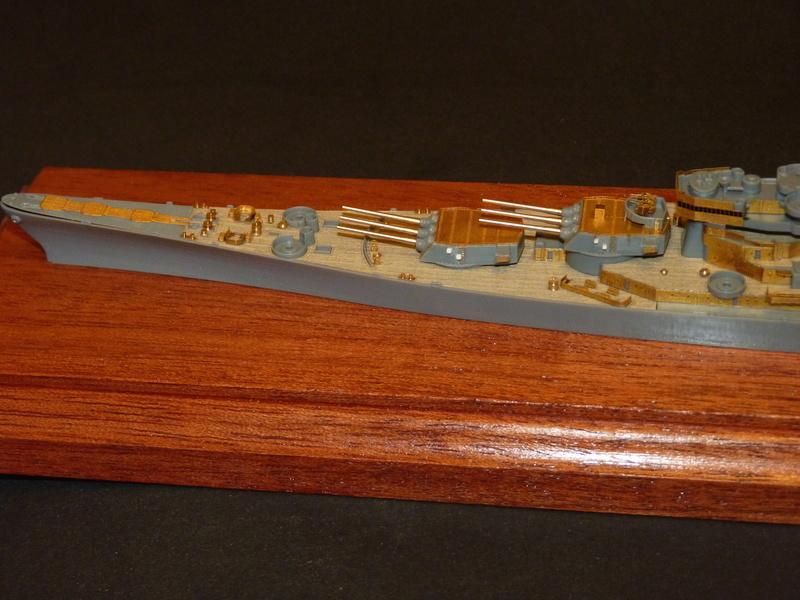 USS Missouri - BB 63 1/700 Tamiya   - Page 5 P1090155