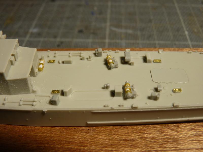 USS Newport - LST 1179 1/700 Orange Hobby   P1100881