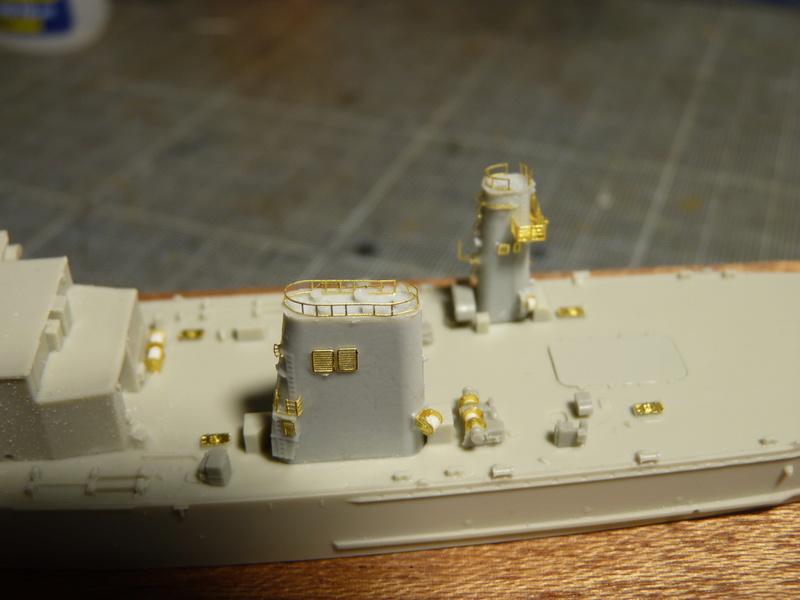 USS Newport - LST 1179 1/700 Orange Hobby   P1100883