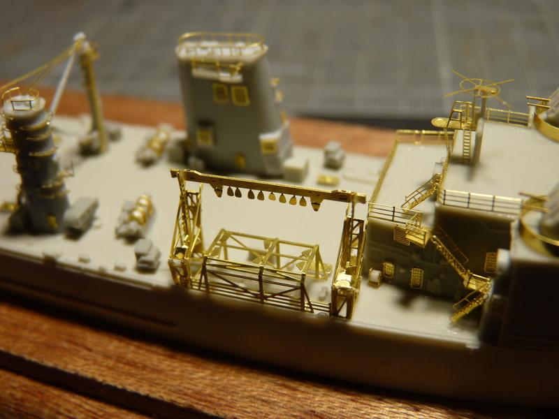 USS Newport - LST 1179 1/700 Orange Hobby   P1100910