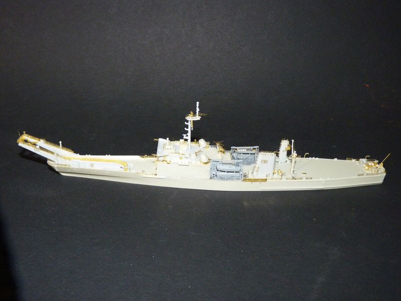 USS Newport - LST 1179 1/700 Orange Hobby   P1100911