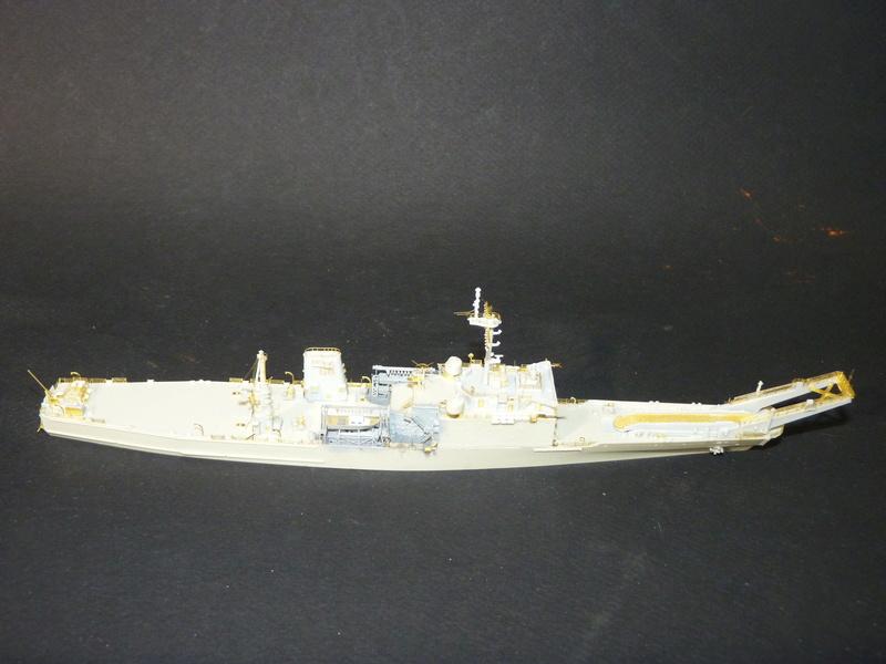 USS Newport - LST 1179 1/700 Orange Hobby   P1100912