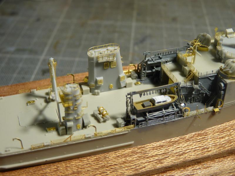USS Newport - LST 1179 1/700 Orange Hobby   P1100913