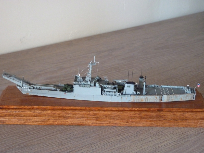 USS Newport - LST 1179 1/700 Orange Hobby P1100928