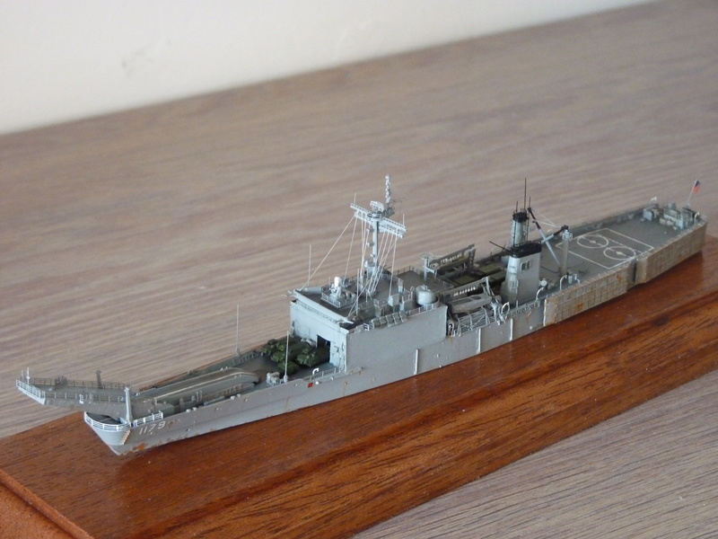 USS Newport - LST 1179 1/700 Orange Hobby P1100929