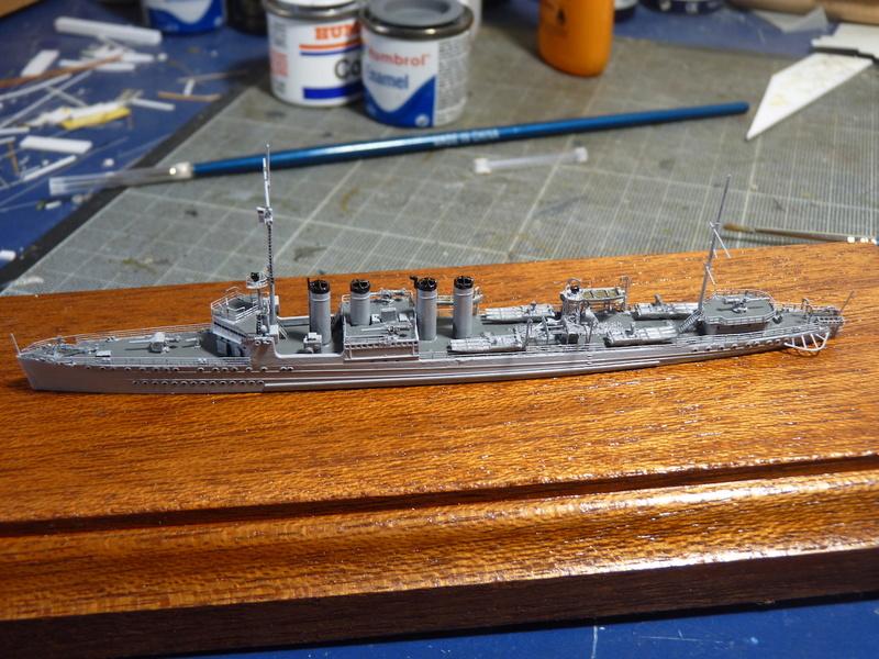USS Badger - DD 126 1/700 FLYHAWK   - Page 2 P1110015