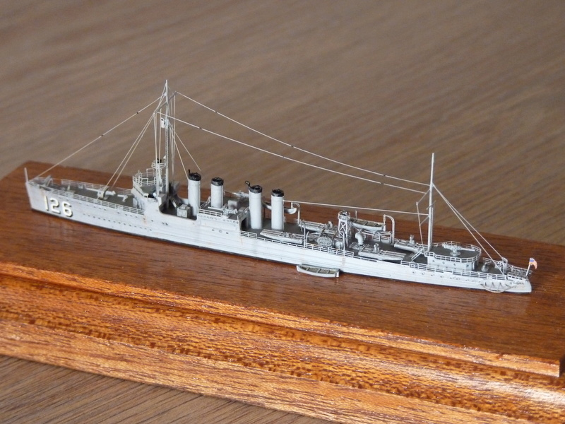 Mes maquettes US Navy - Page 2 P1110033