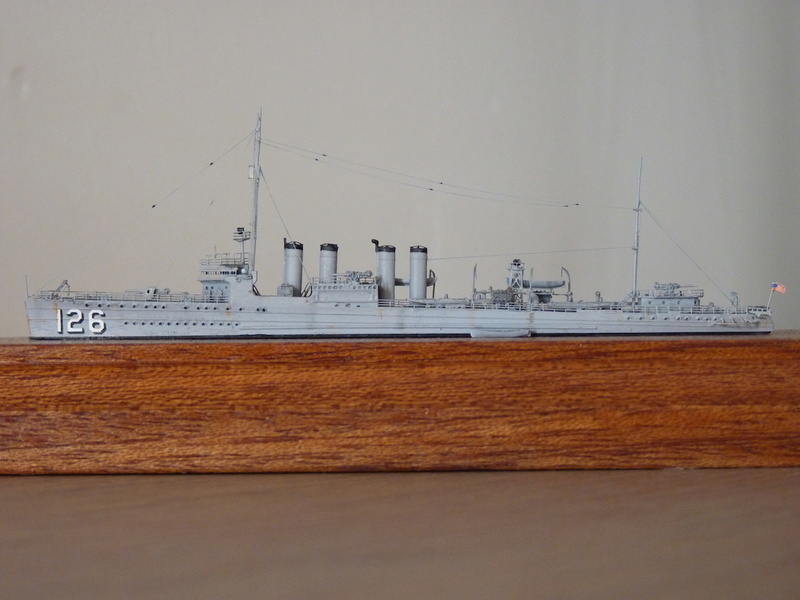 Mes maquettes US Navy - Page 2 P1110035