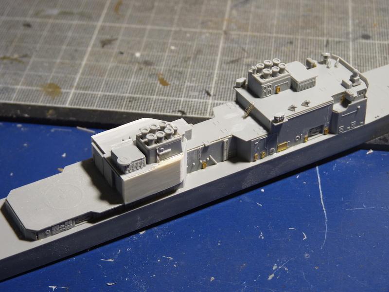 USS Comte de Grasse - DD 974 1/700 DRAGON P1110043