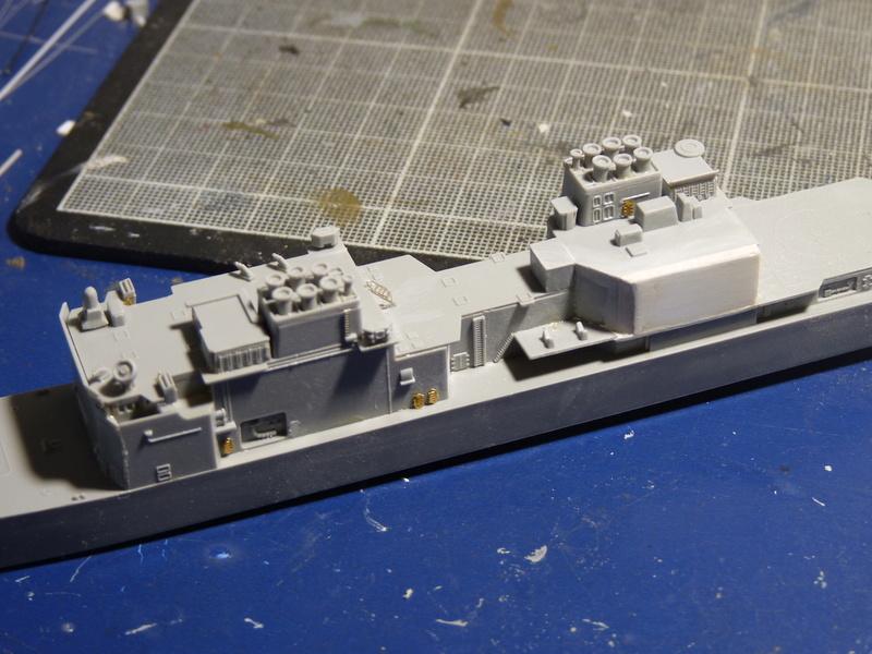 USS Comte de Grasse - DD 974 1/700 DRAGON P1110044