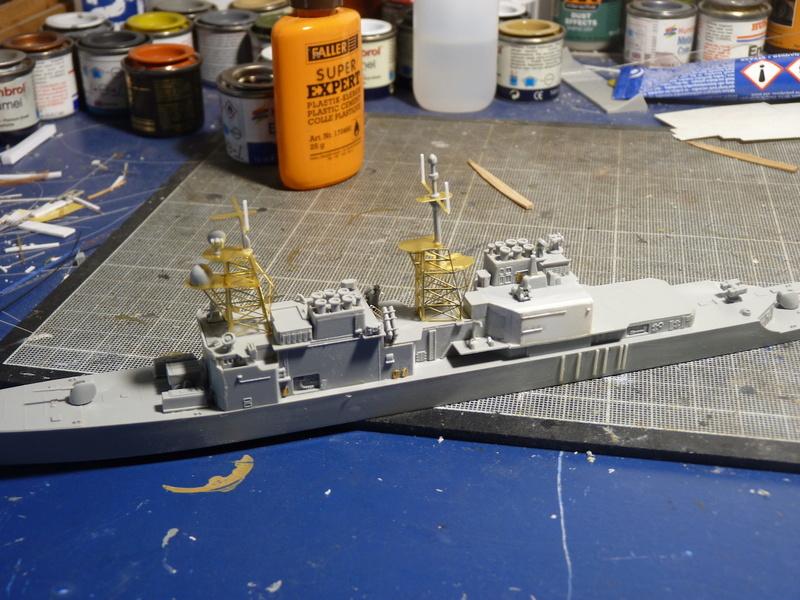 USS Comte de Grasse - DD 974 1/700 DRAGON P1110046