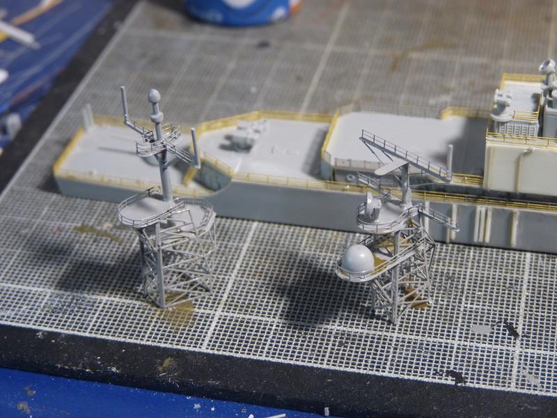 USS Comte de Grasse - DD 974 1/700 DRAGON - Page 2 P1110113