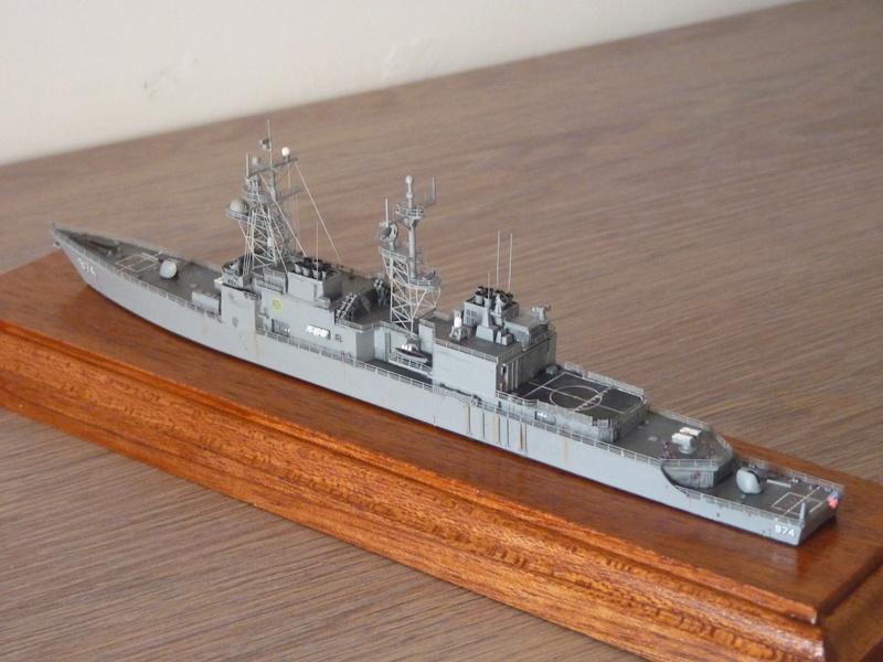 USS Comte de Grasse - DD 974 1/700 DRAGON P1110213