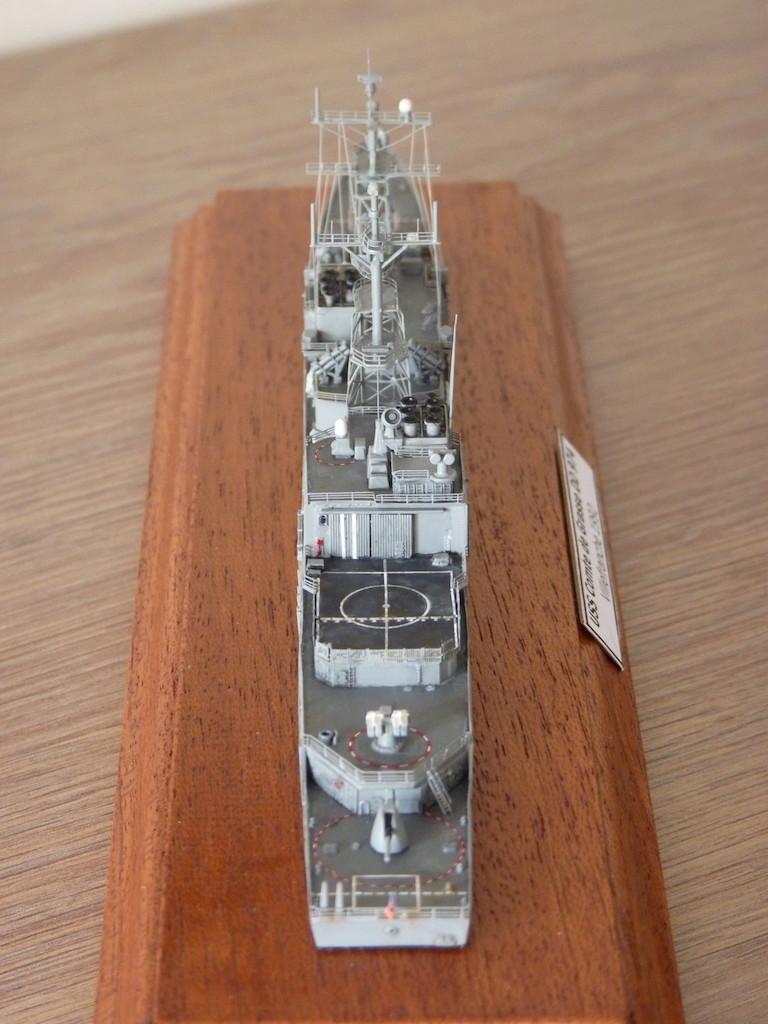 USS Comte de Grasse - DD 974 1/700 DRAGON P1110215