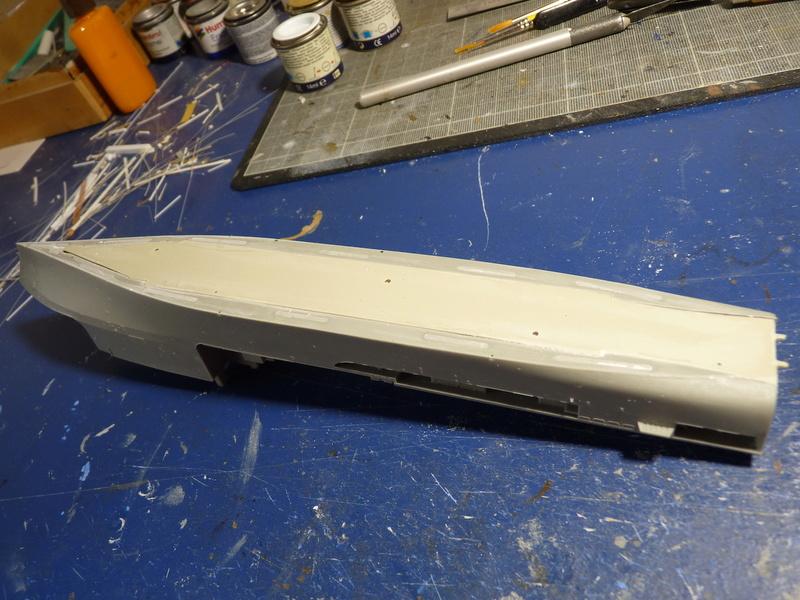 USS Tortuga - LSD 46 1/700 ORANGE HOBBY   P1110514