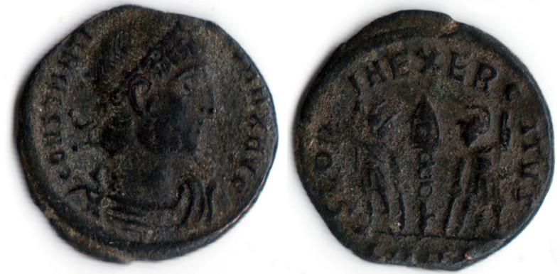 AE4 de Constantino I. GLORIA EXERCITVS Consta11
