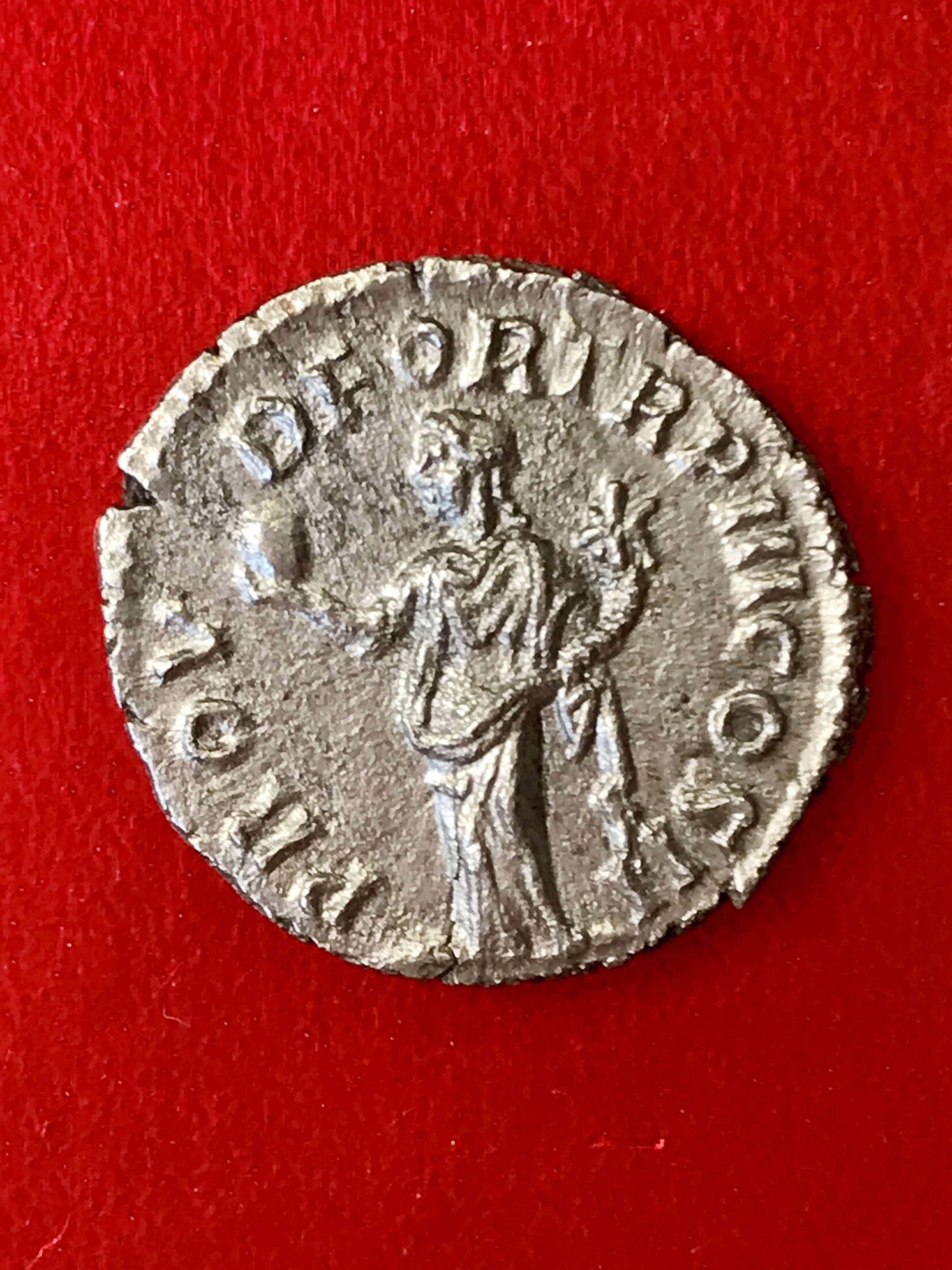 Denario de Lucio Vero. PROV DEOR TR P COS II. Providencia estante a izq. Roma. 7961aa10