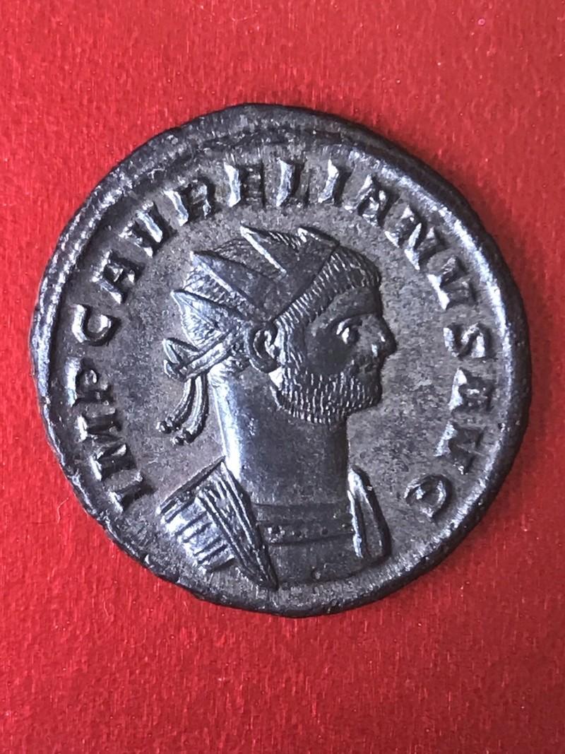 Aureliano de Aureliano. CONCORDIA MILITVM. Concordia y emperador. Siscia E6031710