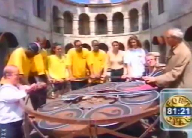 Fort Boyard 1998 - Émission 01 - Équipe Sophie Thalmann Sophie10