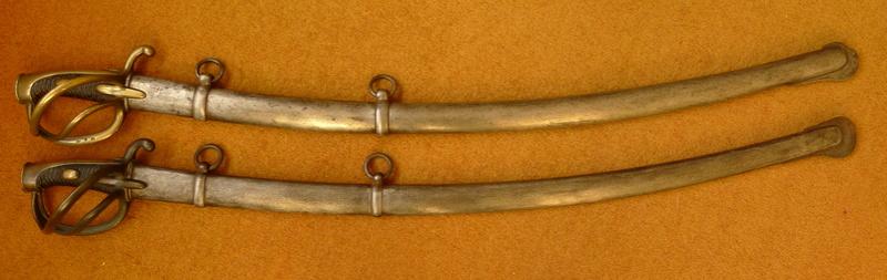 XI sabre de cavalerie légère mystère du fourreau P1050210