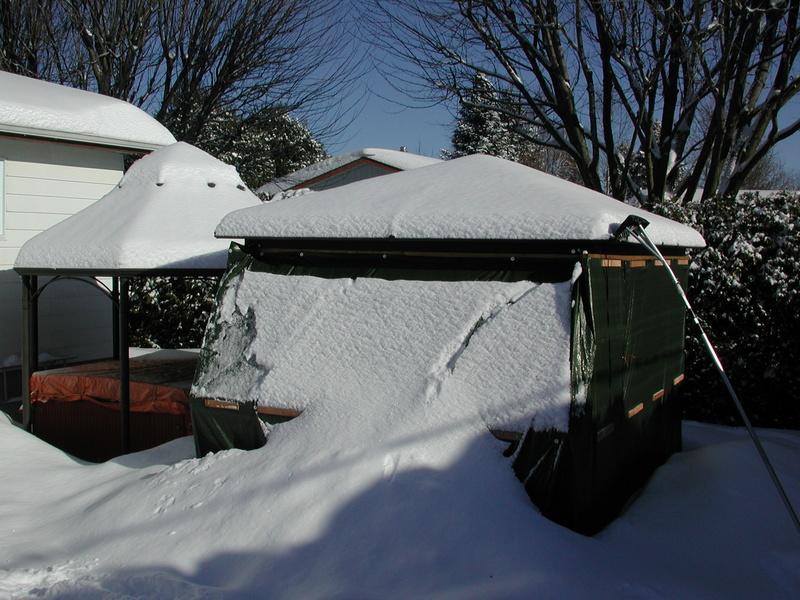 abris - Abris d'été adapté pour l'hiver. Dscn7931