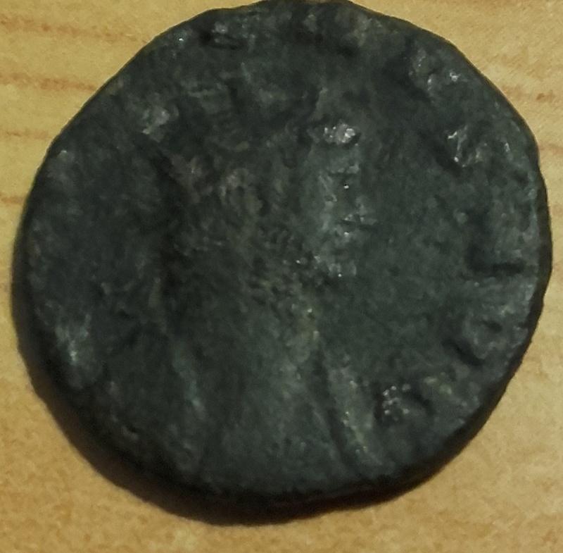Antoniniano de Galieno. VICTORIA AVG. Victoria avanzando a izq. Mediolanum. Mon_2_10