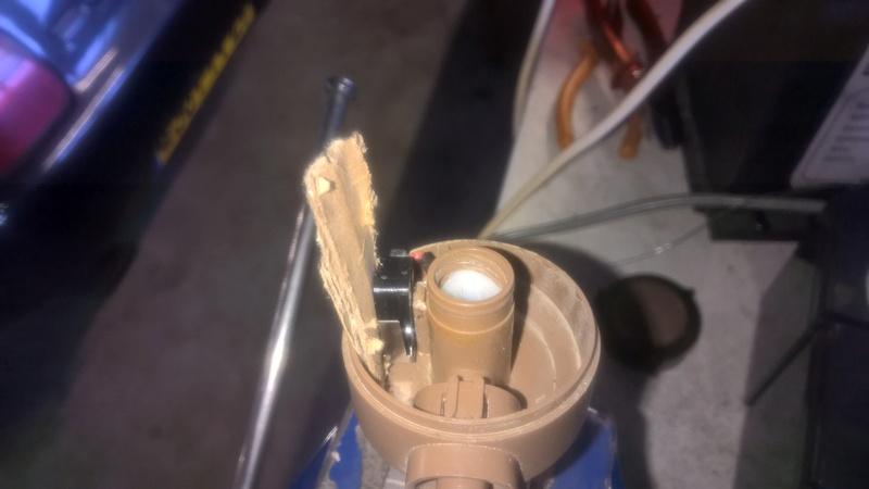 Cherche contacteur de robinet salle d'eau sur Eriba 580 Wp_20118